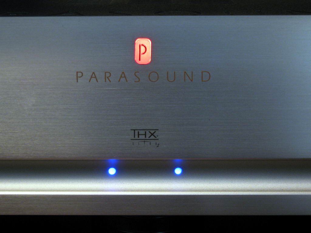 Parasound Halo A23 - 04 Power On LED.jpg